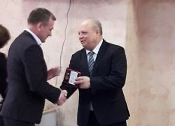 Специалистов «ДОСТ-Н» наградили юбилейными медалями